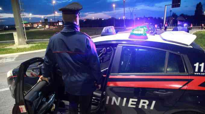 Donna e feto trovati morti in garage